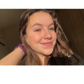 Profile avatar of @nadine-russell